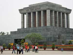Mausoleum in Hanoi bei 2-wöchiger Vietnam Rundreise