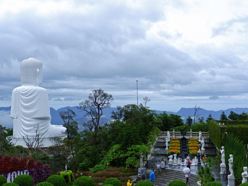 Golden Bridge Vietnam: Park im Ba Na Hill Resort bei Danang