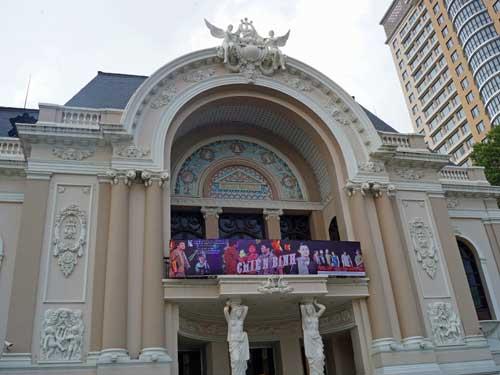 Saigon Ausflüge: Koloniales Gebäude